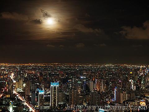Baiyoke Tower II Night View 06 - Pratunam