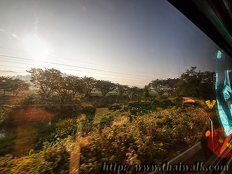 Train travel to Chiang Mai 007