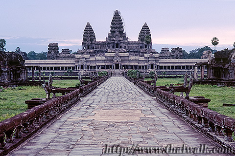 Angkor Wat in 1995 Part.01 - in the morning 01