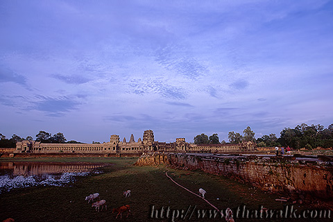 Angkor Wat in 1995 Part.14 - in the evening 01