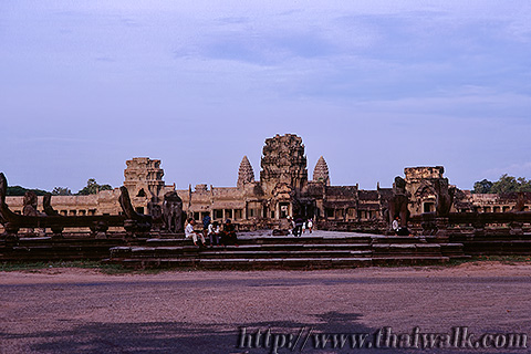 Angkor Wat in 1995 Part.15 - in the evening 02