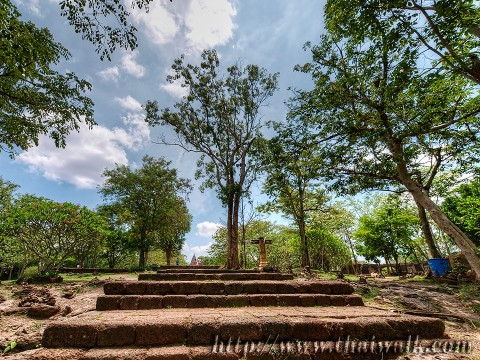 Phanom Rung - the walkway (almost the top level)