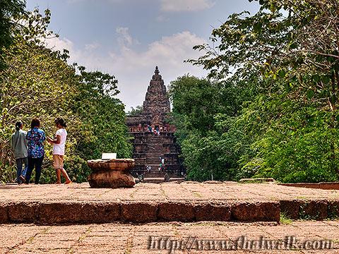 Phanom Rung - the walkway (that is Phanom Rung.)