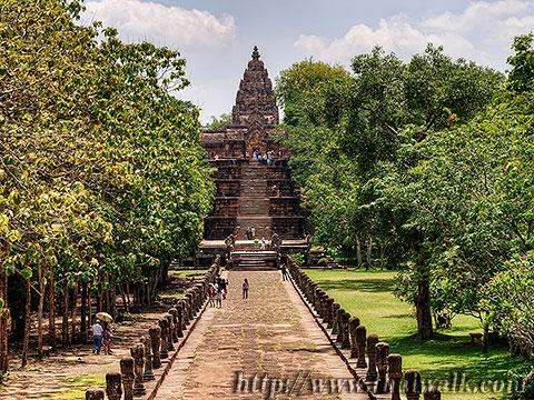Phanom Rung - the walkway leading to Phanom Rung