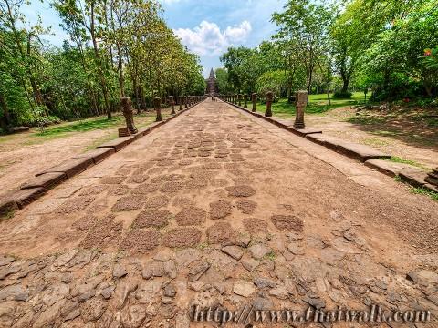 Phanom Rung - the walkway