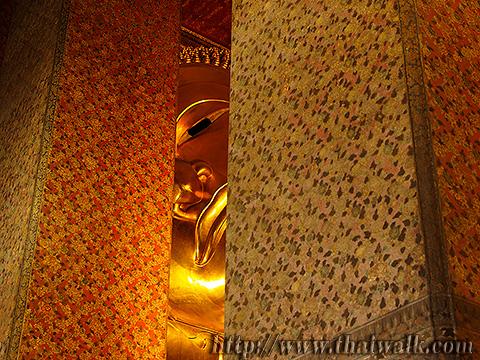 The Reclining Buddha at Wat Pho Part.4