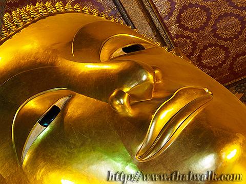 The Reclining Buddha at Wat Pho No.6