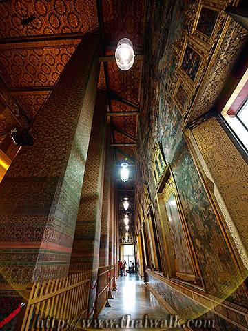 The Reclining Buddha at Wat Pho No.9