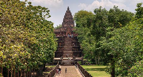 The walkway leading to Phanom Rung
