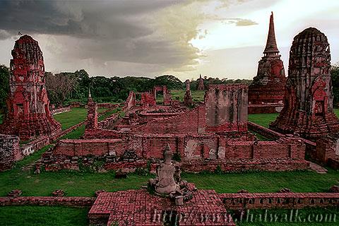Wat Phra Mahathat in Ayutthaya No.15