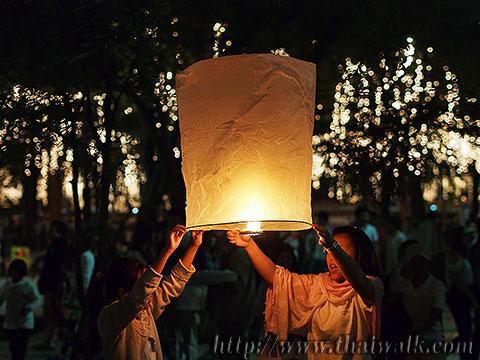 Khom Loy (Sky Lantern) in Bangkok No.04