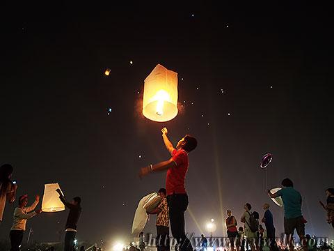 Khom Loy (Sky Lantern) in Bangkok No.05