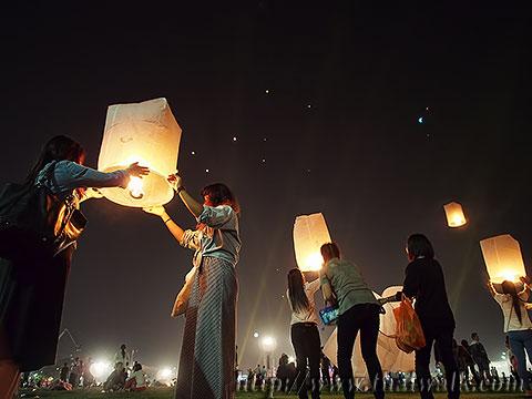 Khom Loy (Sky Lantern) in Bangkok No.07