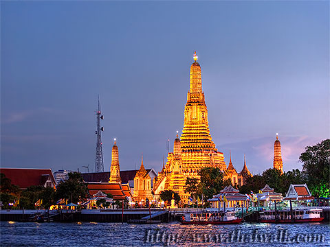 Wat Arun - The view across the river No.07