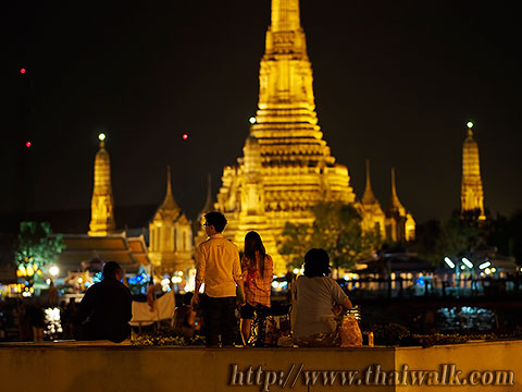 Wat Arun - The view across the river No.10