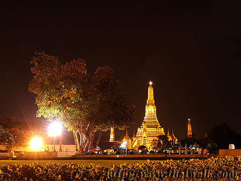 Wat Arun - The view across the river No.11