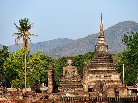 Buddha statues in Wat Mahathat in Sukhothai No.01