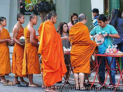 Thai people and monks No.02