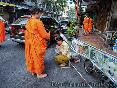 Thai people and monks No.04