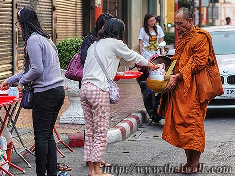 Thai people and monks No.06
