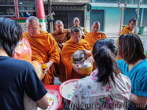 Thai people and monks No.07