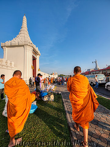 Thai people and monks No.12