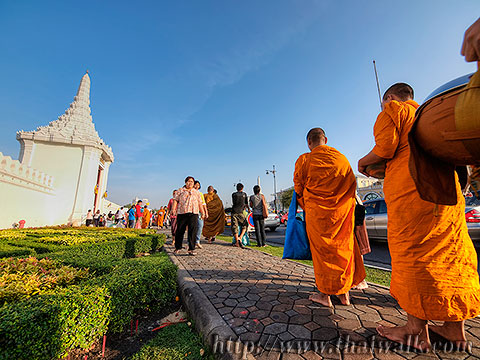 Thai people and monks No.14