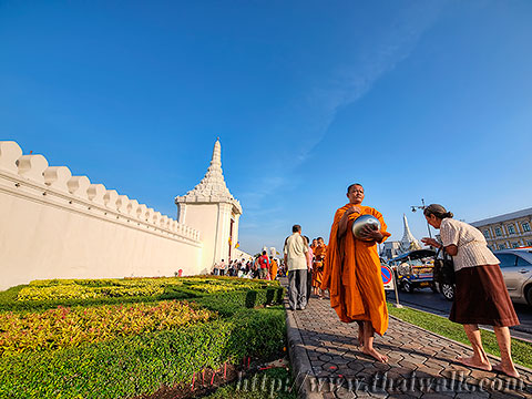 Thai people and monks No.15