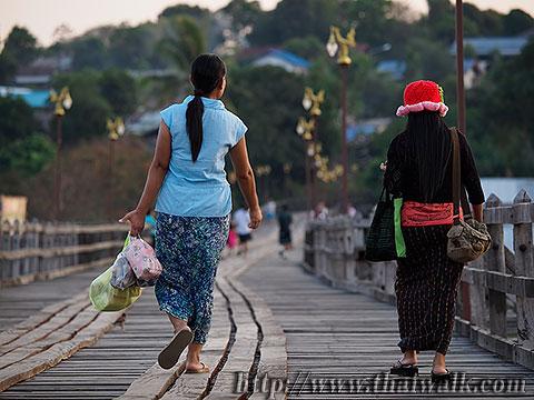 Mon Bridge No.09
