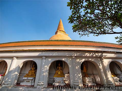 Phra Pathom Chedi - just outside No.10