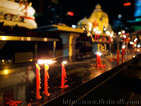 Trimurti Shrine No.11 - the red candles