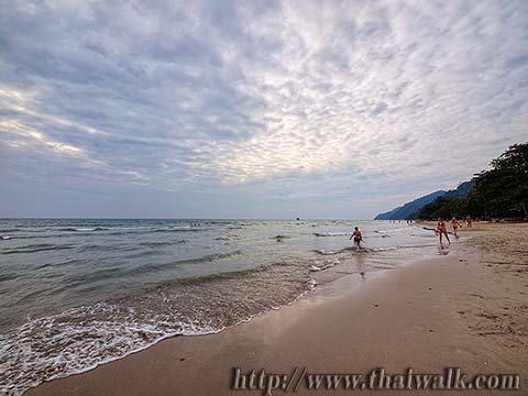 White Sand Beach under a cloudy sky No.04